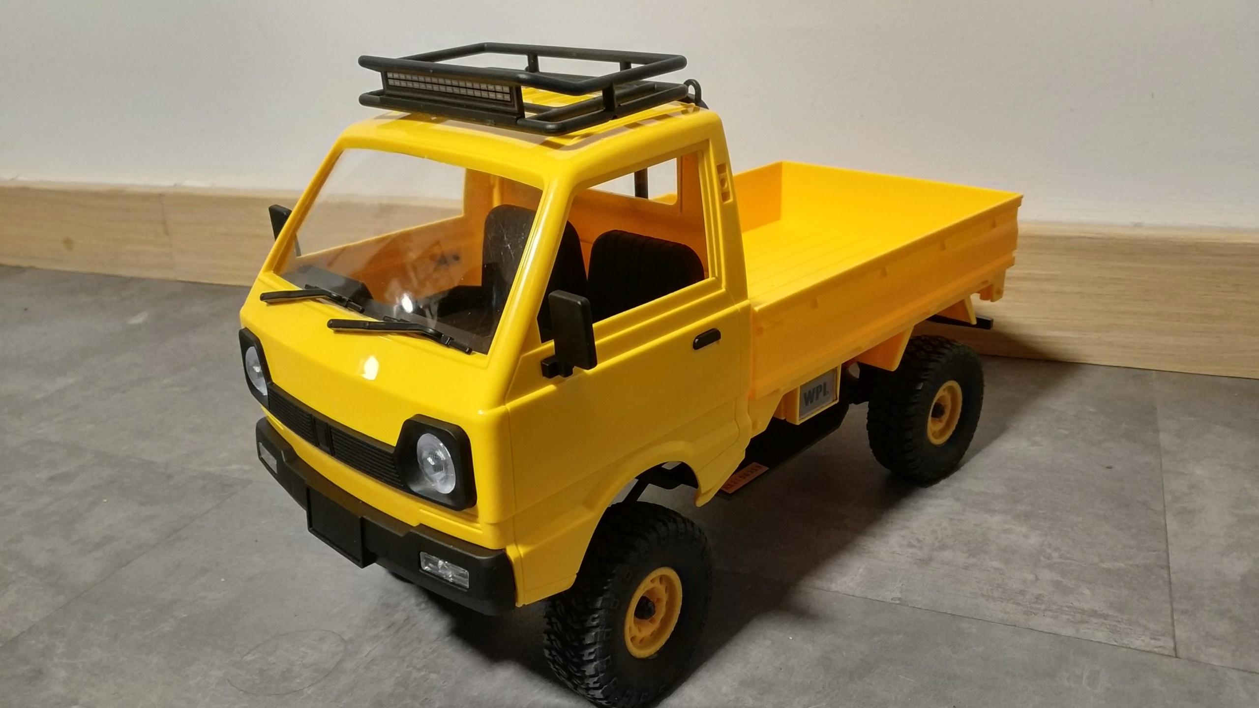 Un énorme camion de plus, le WPL D12 Suzuki Carry 1/10... - Page 3 Img_2855