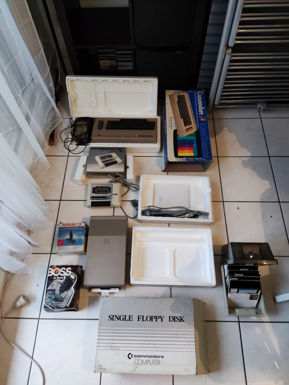 [ESTIM] Lot Commodore 64 Img_2066