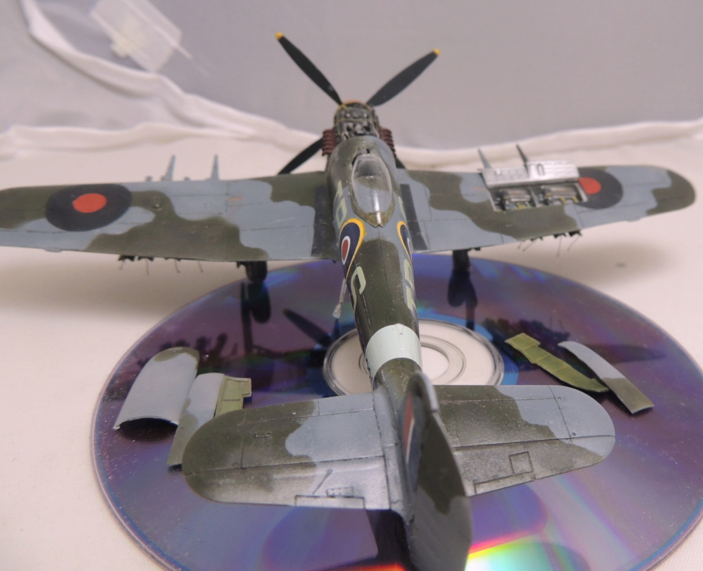 [Airfix] Hawker Typhoon IB Dscn9053