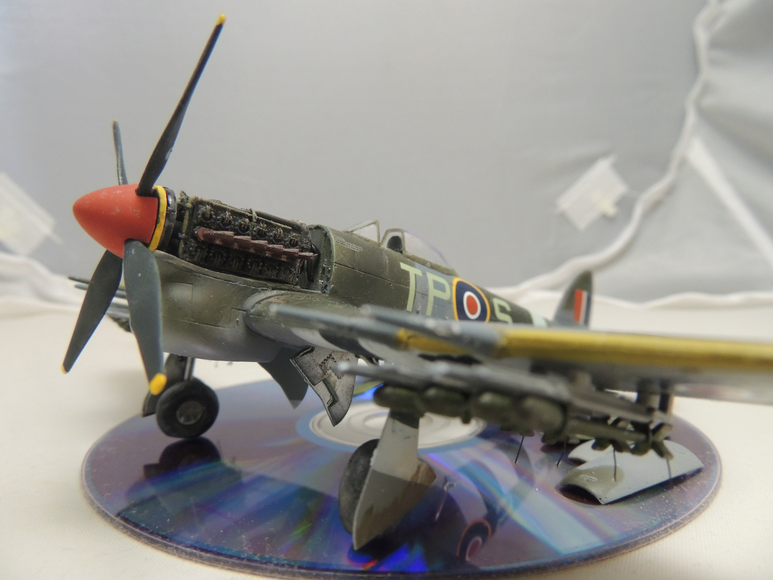 [Airfix] Hawker Typhoon IB Dscn9059