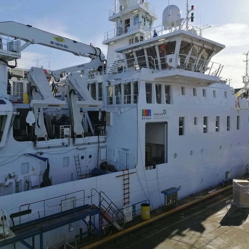 New Federal Research Vessel BELGICA - Page 3 12724310