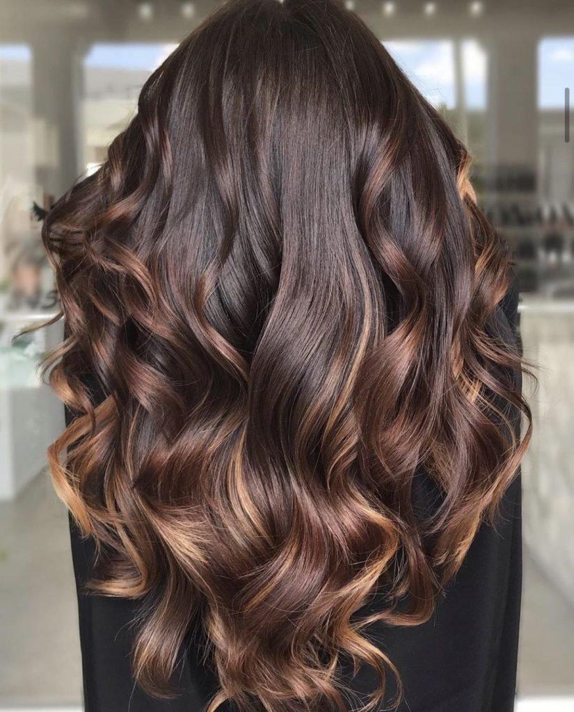 إذا كنتي تعانين من الشعر الباهت. إليك 9 نصائح فعالة للحصول على شعر صحي ولامع Glossy10