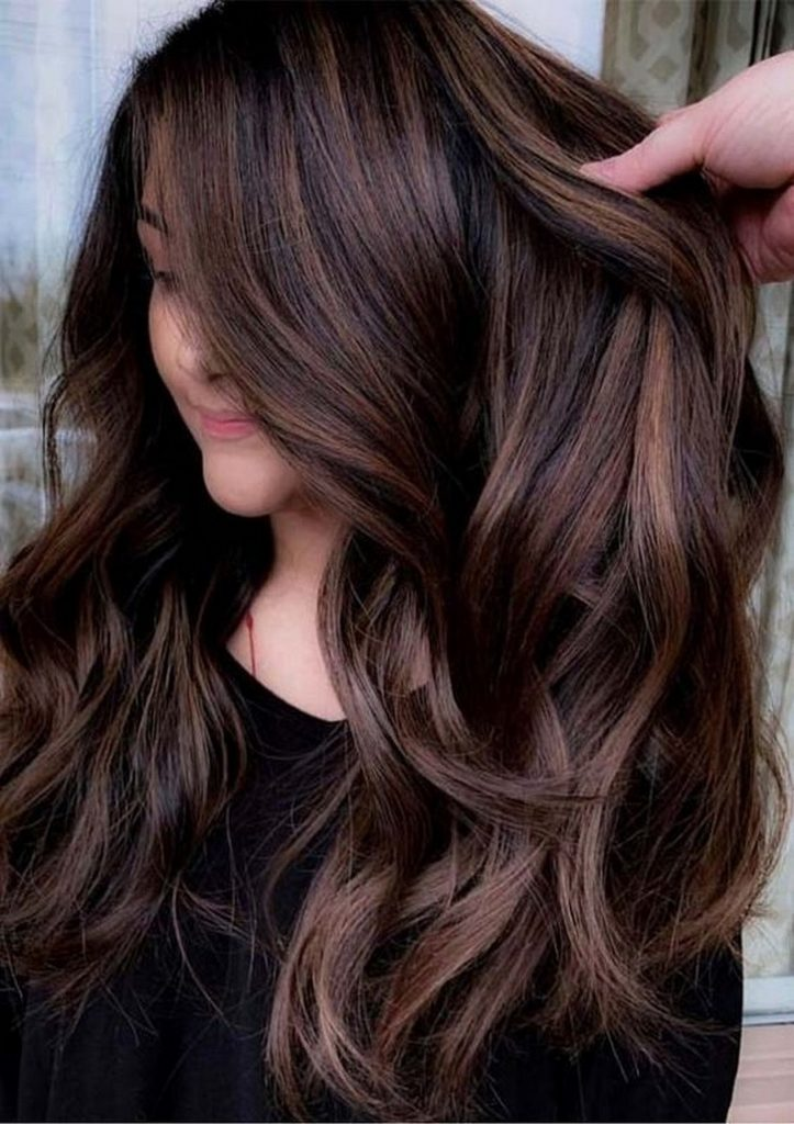 إذا كنتي تعانين من الشعر الباهت. إليك 9 نصائح فعالة للحصول على شعر صحي ولامع Glossy11