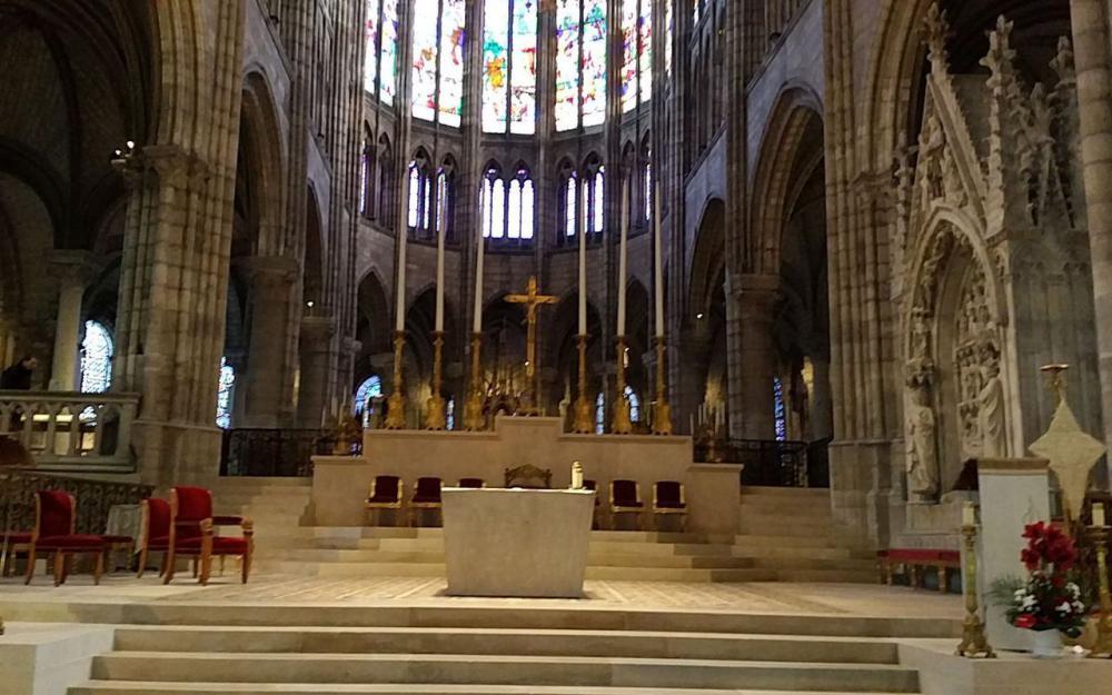 L'autel majeur de l'abbatiale Basili11