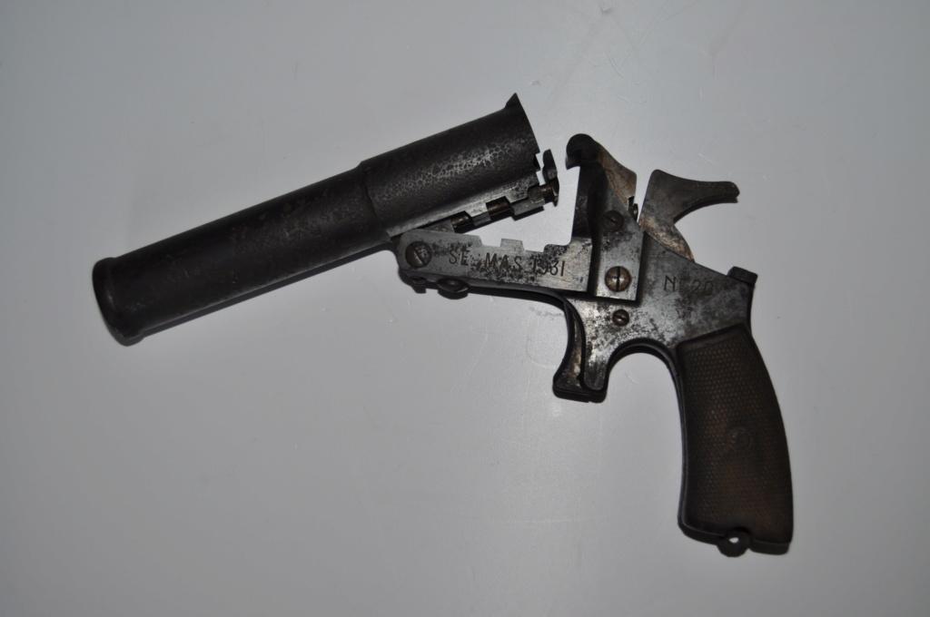 Rare pistolet lance fusée Dsc_2123