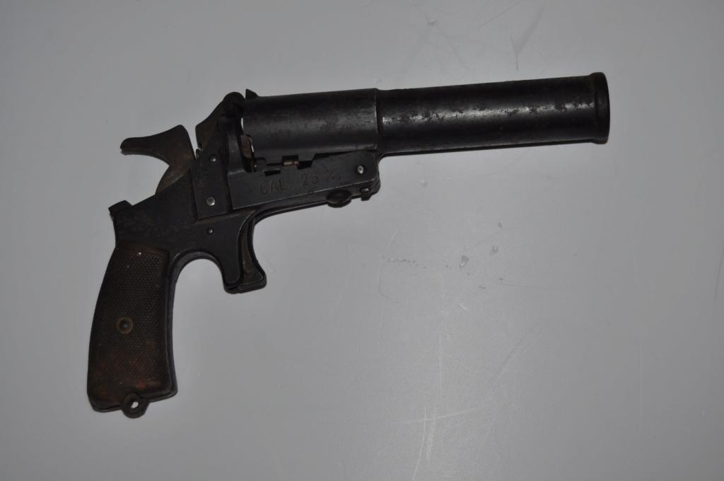 Rare pistolet lance fusée Dsc_2124