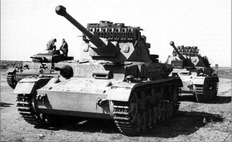 Octobre 1942 - Panzer IV ausf F1 en afrique du nord - Terminé 11484210