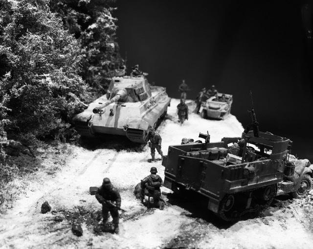 Koenigstiger dans les Ardennes le 22 décembre 1944 1/72 988c6a10