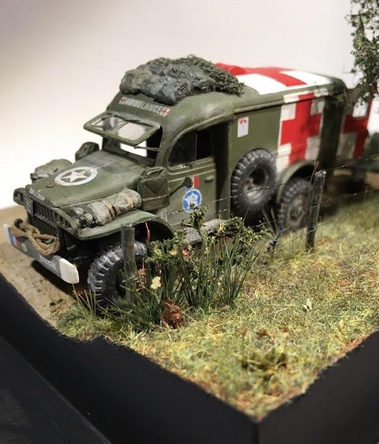 13 aout 1944 ambulance WC54 du groupe Rochambeau. B5d84810