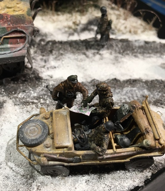 Koenigstiger dans les Ardennes le 22 décembre 1944 1/72 Efd35f10