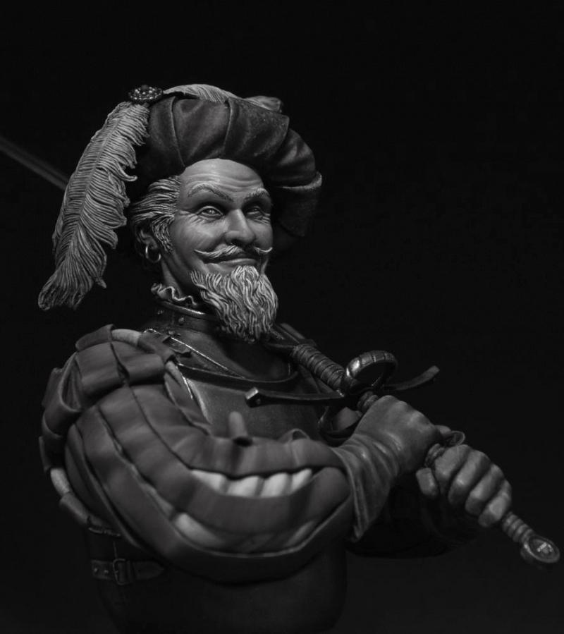 Une figurine, un buste... Plusieurs versions 011110