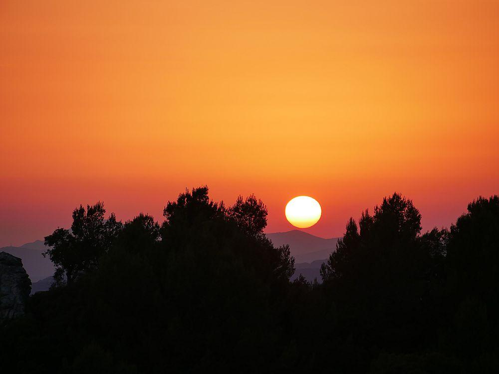 Coucher de soleil en plein été P1070014