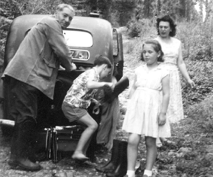 Photos d'époque - Page 8 1954_t10