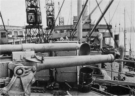 Le cargo armé Ango des Chargeurs Réunis, capturé à Bordeaux  Image225