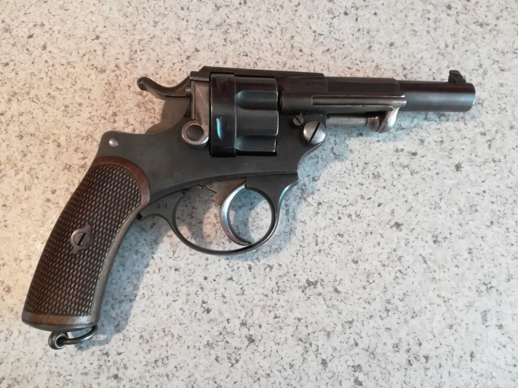 Revolver ordonnance 1892 ? R44111
