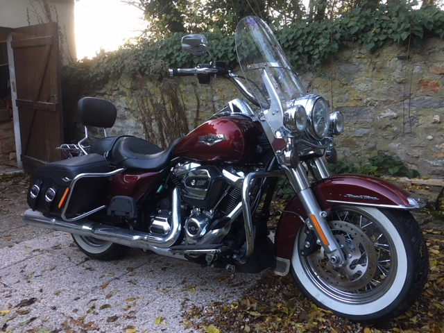Road King uniquement, combien sur Passion-Harley  - Page 23 6b4e7110