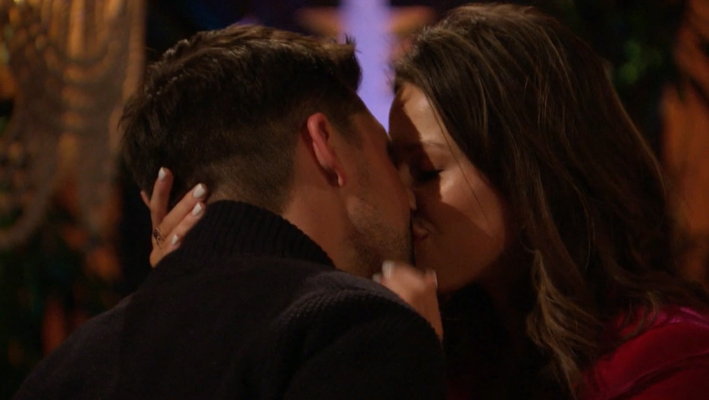 Bachelorette 17 - Katie Thurston - June 7 - Season Preview - M&G - NO Discussion - *Sleuthing Spoilers* 23411