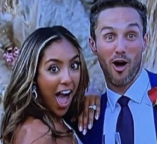 Tayshia Adams - Zac Clark - Bachelorette 16 - FAN Forum - Avatars - Discussion  696f3010