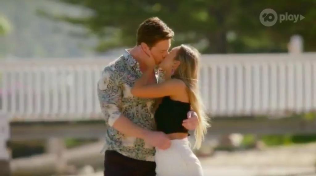 Bachelor Australia - Season 7 - Matt Agnew - S/Caps - *NO SPOILERS SLEUTHING* - * Discussion* - Page 6 B2004b10