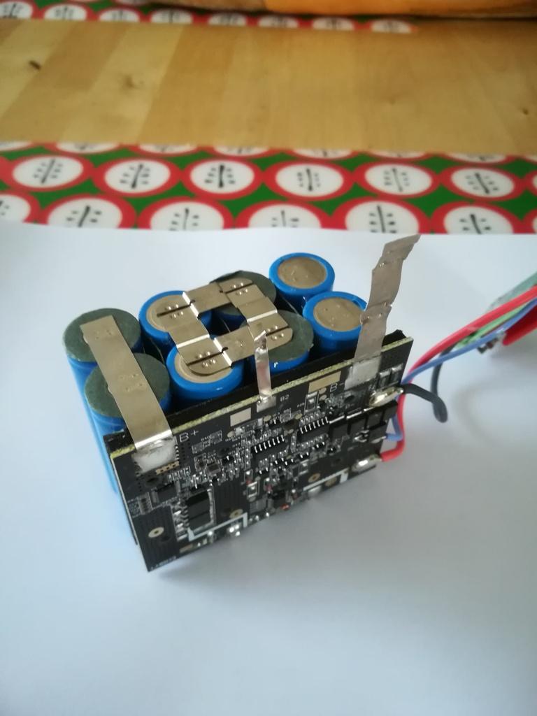 Remplacement ou reconditionnement de batteries d'électroportatif Img_2017