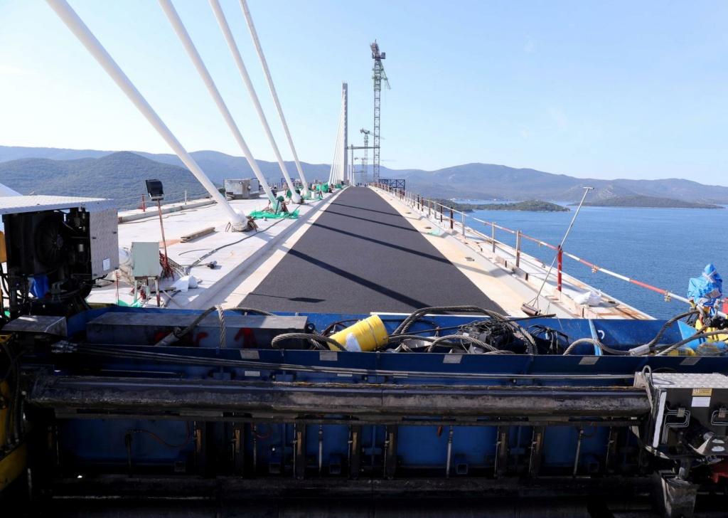 New China TV: China-constructed Peljesac Bridge progressing at speed in Croatia - Page 50 C7ebce10