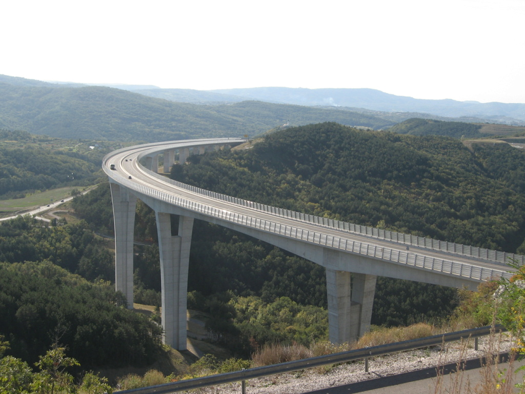 New China TV: China-constructed Peljesac Bridge progressing at speed in Croatia - Page 48 Crnika10