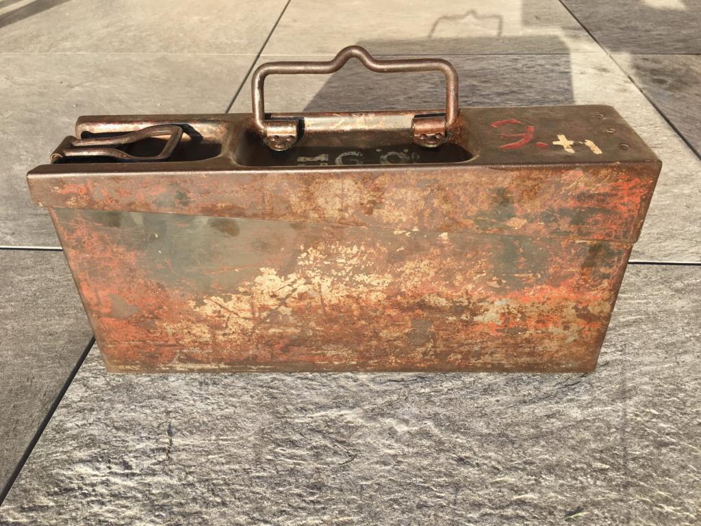 Signification des marquages sur caisse MG42 Img_0514
