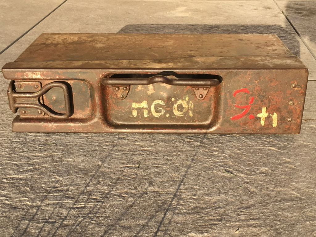 Signification des marquages sur caisse MG42 Img_0516