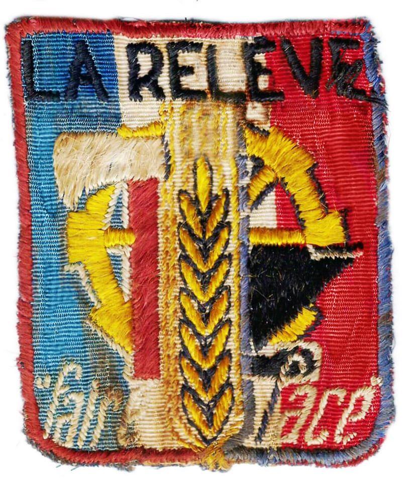 Insigne tissu à identifier . Période Etat Français ? 11833911