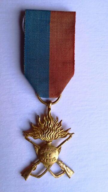 Médaille Palmes et étoiles ? Deco10