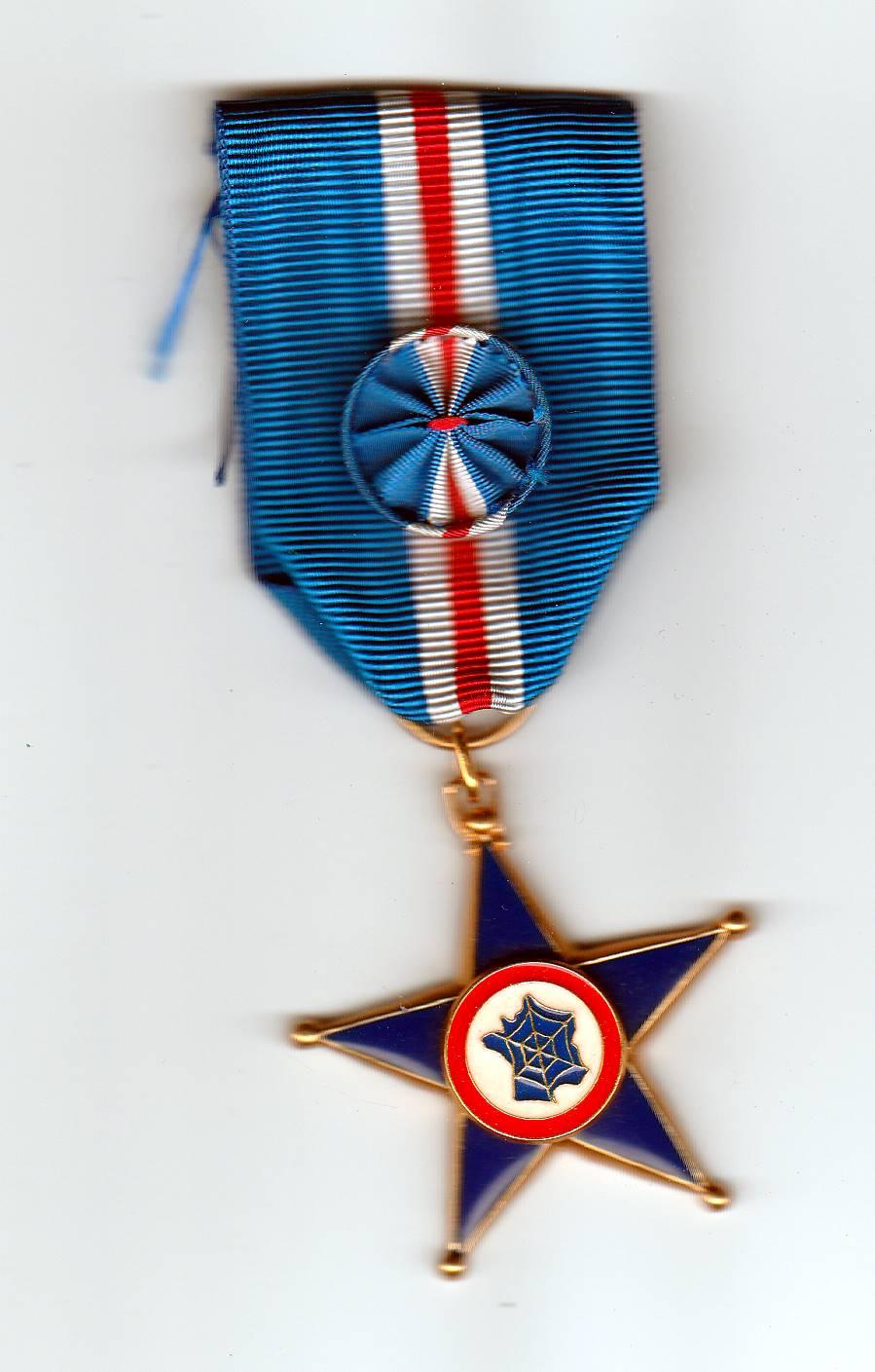 Estimation Médailles des Anciens Combattants des Services de Renseignements  Img_2075