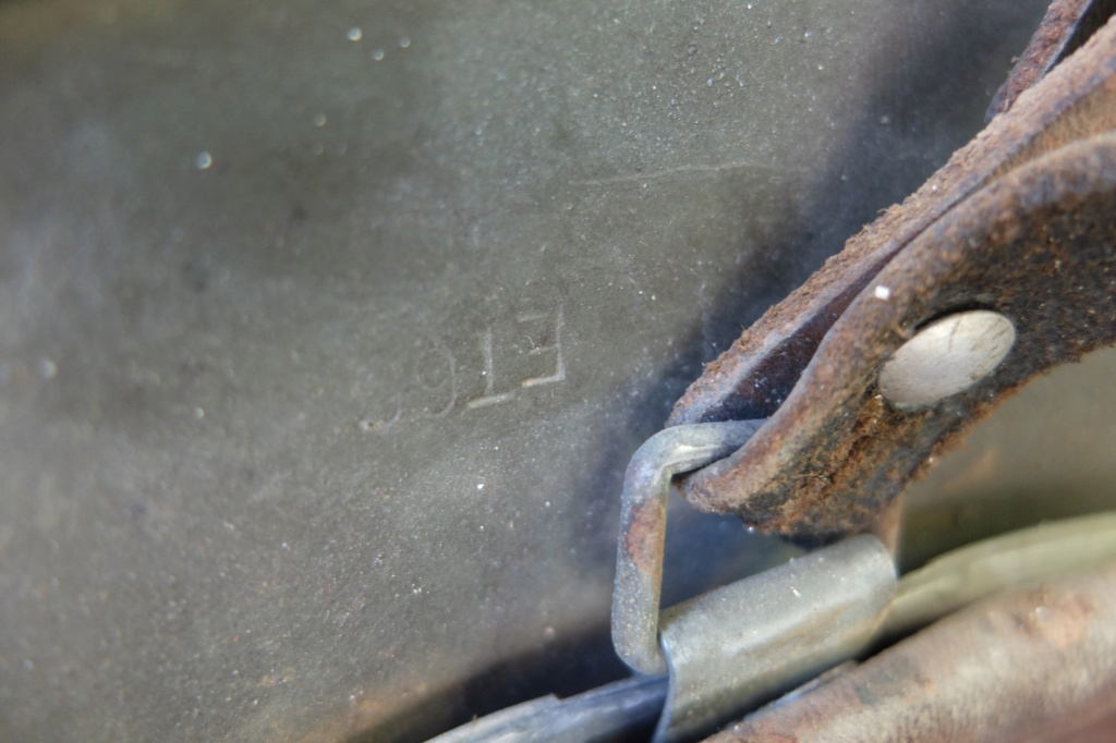 Numéro de casque allemand camouflé sable Dscf5717