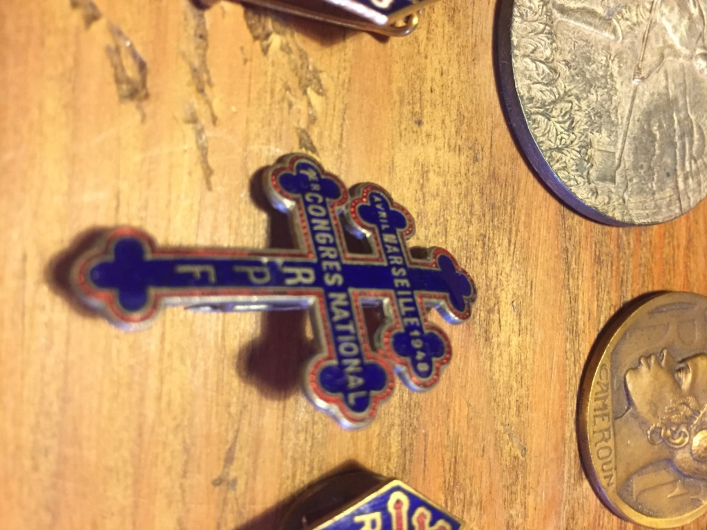 Médaille vide grenier Fbfb1c10