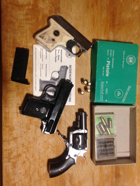 Revolver et pistolet d'alarme Img_8013