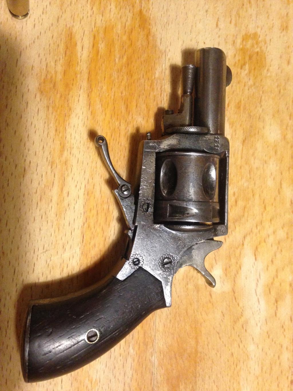 Revolver et pistolet d'alarme Img_8014