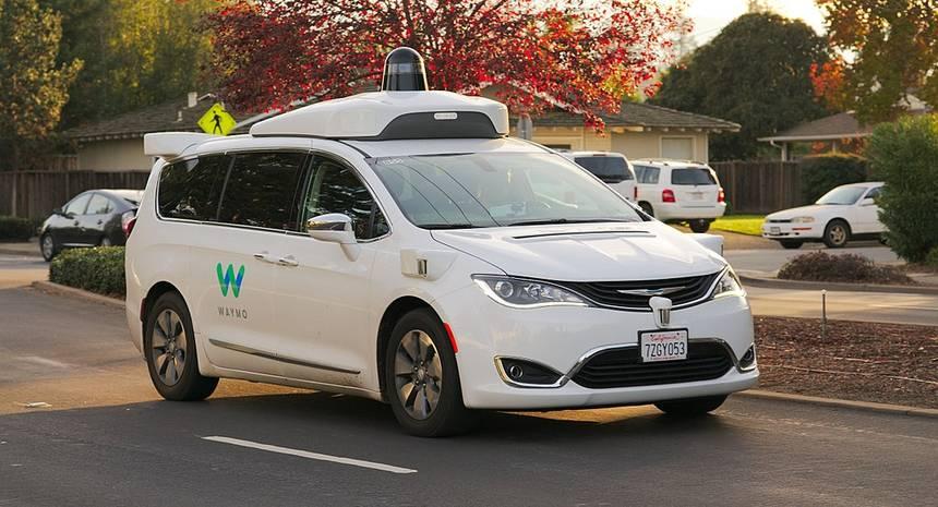 Waymo pourrait obtenir un crédit d'impôt de 465 millions de dollars pour l'achat de 62 000 hybrides Chrysler Pacifica 1024px10