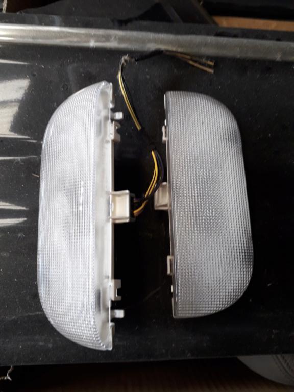 Lampes de courtoisie de coffre S4 20200733