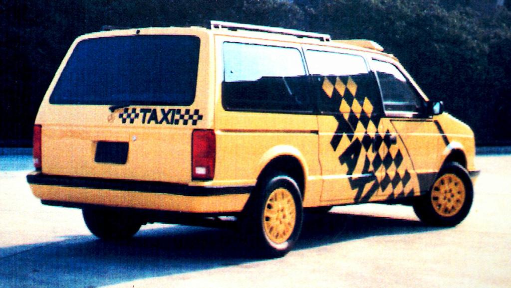 Grand Voyager Taxi par Michael Santoro Rear-v10