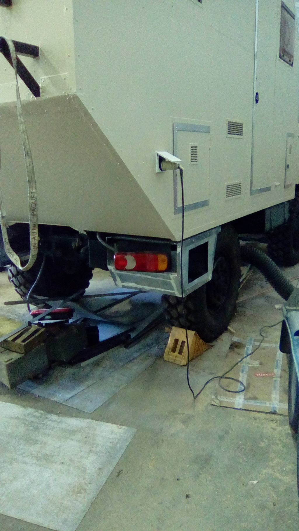 Projet camping car, ça avance ! - Page 11 Img_2025