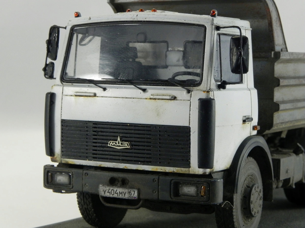 МАЗ-5551 1:43 AVD 11010