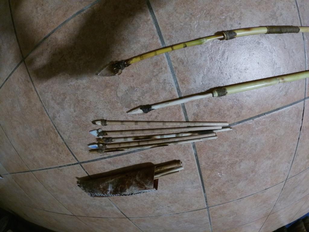 Propulsor de tablón de pino y azagayas de caña con puntera intercambiable. Gopr1321