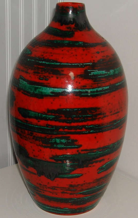 Red and green vase, German? Dsc08227