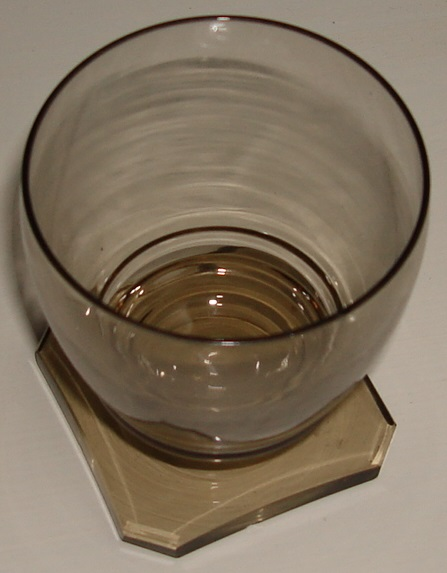 Facet cut smoke coloured glasses Dsc08425