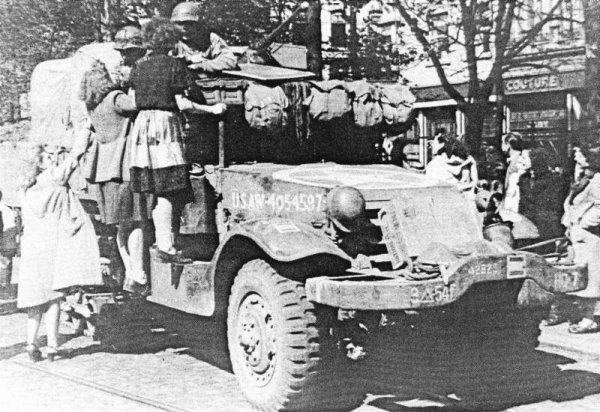 Koenigstiger Ardenne 22 décembre 1944. - Page 5 31966510