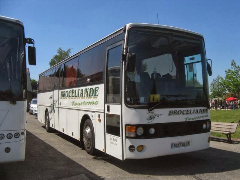 BROCELIANDE TOURISME 10215