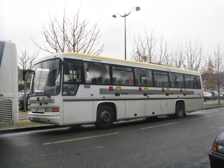 Bus et Cars ROUGÉ 15a11