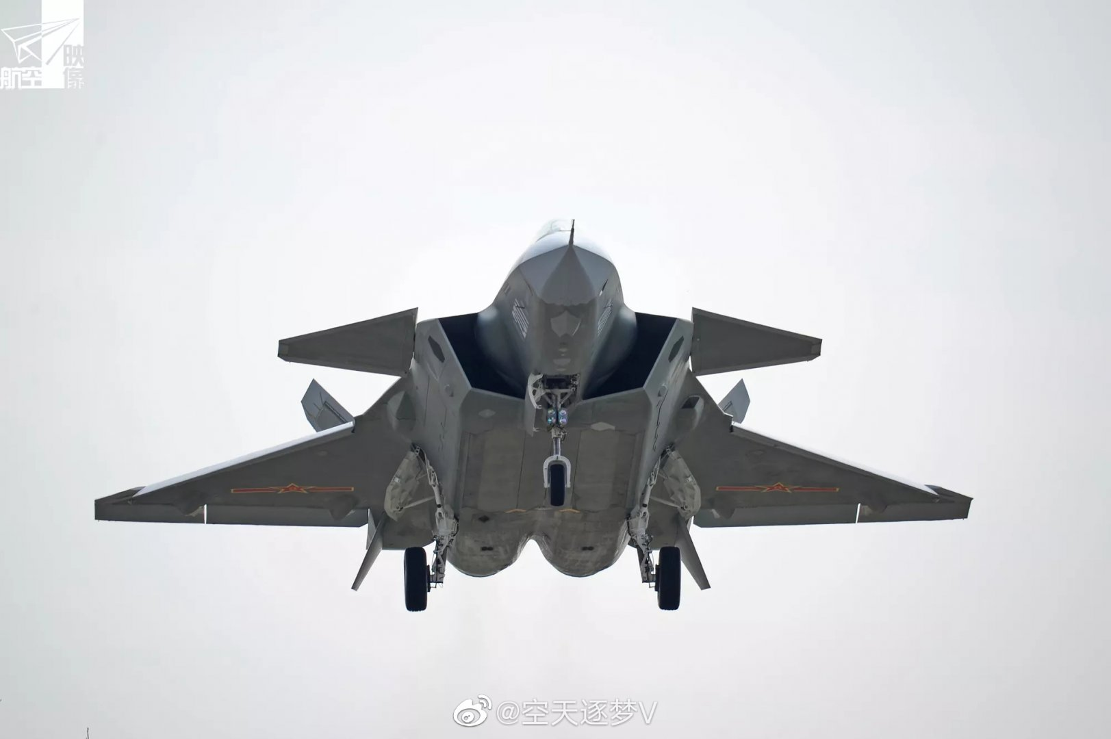 Chengdu J-20 Stealth Fighter - Page 8 0080my10