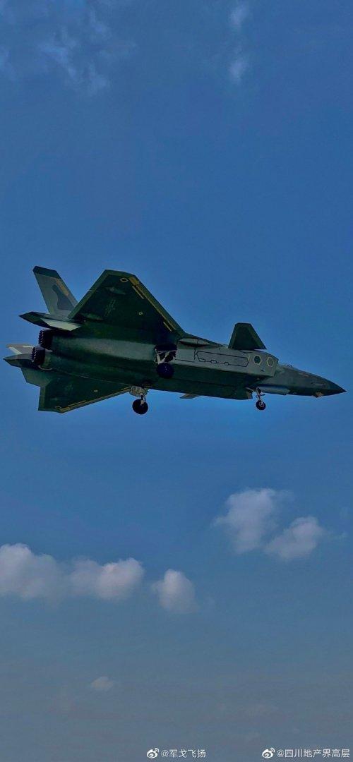 Chengdu J-20 Stealth Fighter - Page 7 J-20a_11