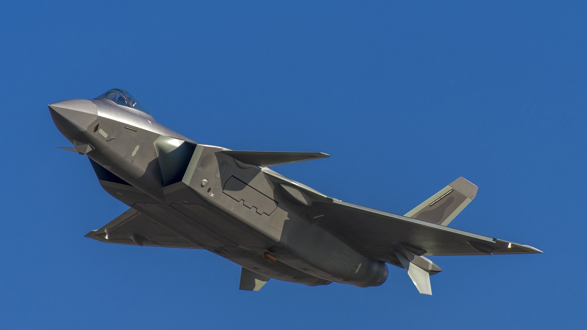 Chengdu J-20 Stealth Fighter - Page 8 Thumb-10