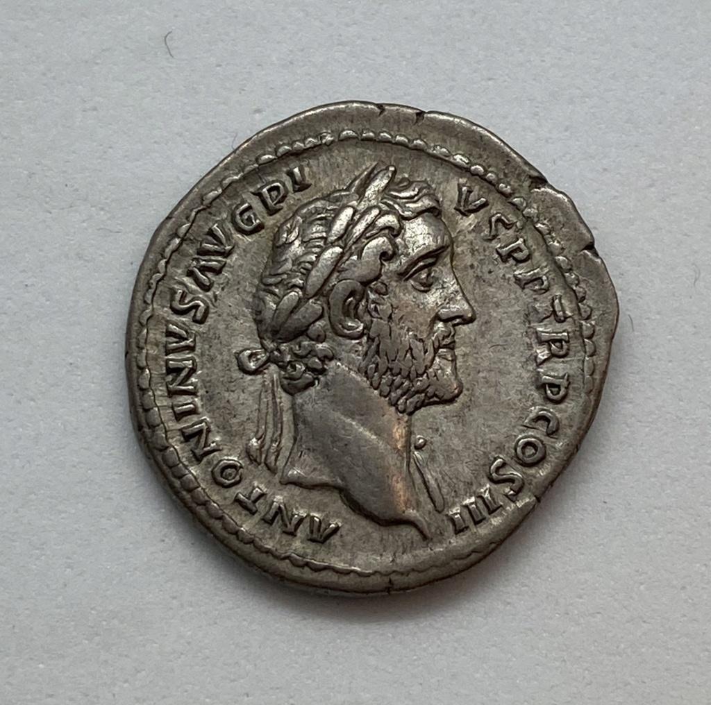 Denario de Antonino Pio. ITALIA. Roma 476b0e10